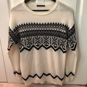 Suzy Shier white Nordic knit sweater